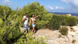 Ein heißer Sommer in Ibiza Auf Ibiza geht meistens was - hier ist der Beweis. Es ist einfach zu heiß um zu Fuß zum Strand zu ...