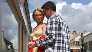 Max und seine Ehefrau Ab und zu nehmen sich Max und Lucy Zeit für ein Frühstück auf dem Balkon. Auch wenn sie nicht die ...
